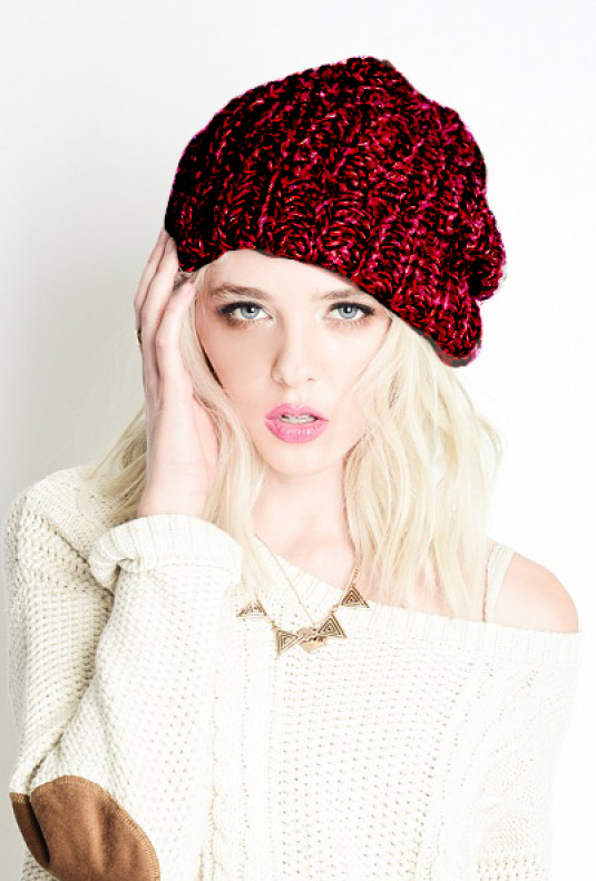 Warm Bodies Chunky Heathered Knit Beanie in Maroon