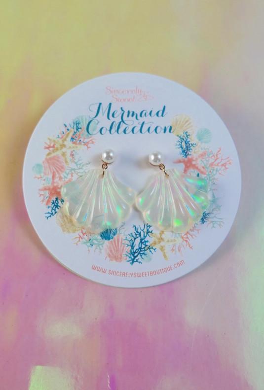 Holographic Seashell Earrings