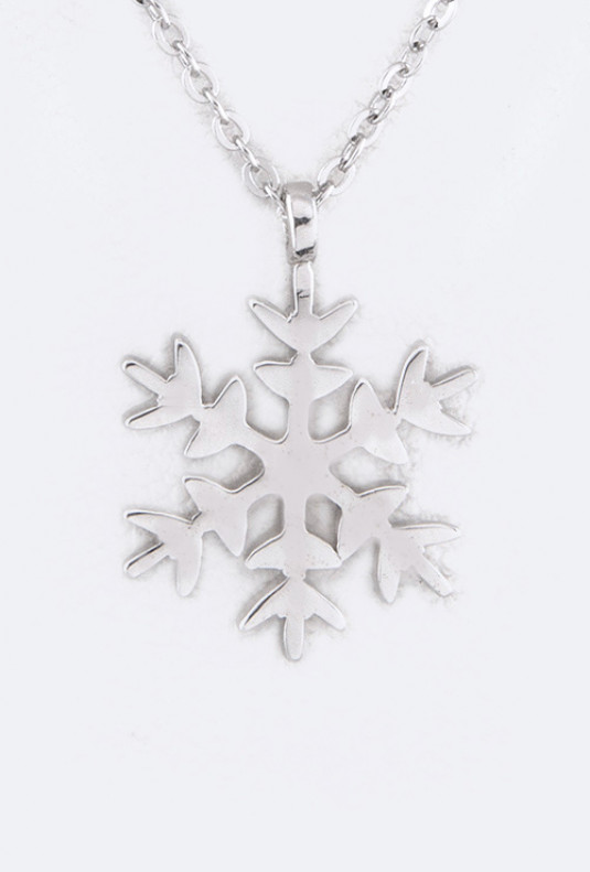 Frozen Snowflake Pendant Necklace in Silver