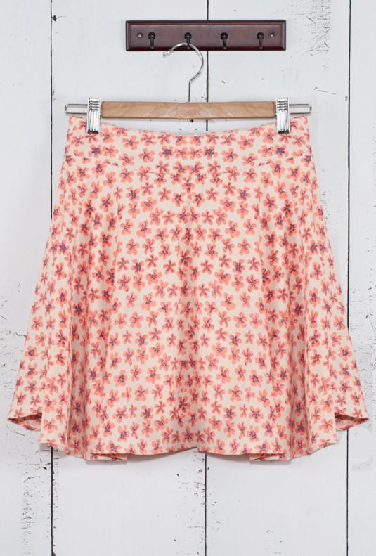 Ditsy Daisy Skater Skirt in Cherry Blossom