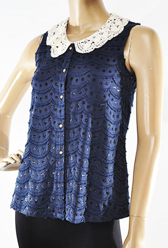 Top - Romance Novel Sleeveless Buttoned Lace Collar Top in Navy