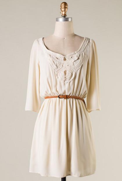 Crochet Detailed Sleeve Dress in Cream