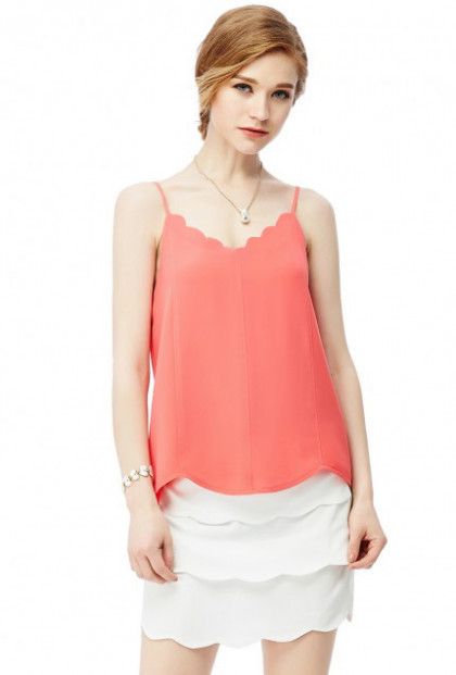 Dainty Habits Scallop V-neck Top in Coral