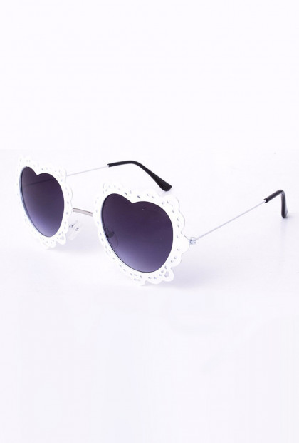 French Vintage Lace Rim Heart Sunglasses White
