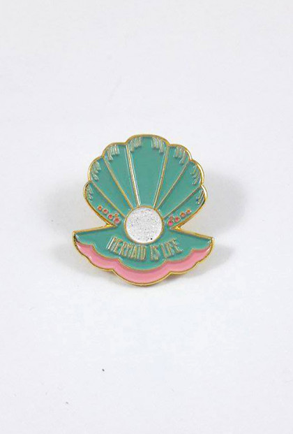 clam shell mermaid pin