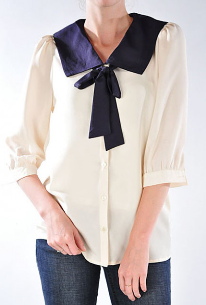 Contrast Color Sailor Collar Neck Tie Blouse in Cream/Navy