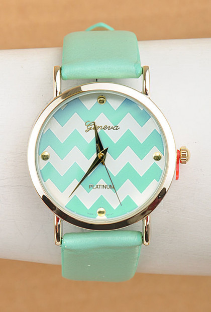 Polka Dot Pattern Dial Watch in Mint Green