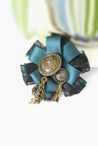 Brooch - Royal Ambassador Pleat Ribbon Brooch in Victoria
