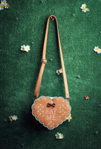 alice in wonderland eat me cookie bag