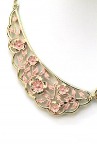 Shabby Love Floral Filigree Vintage Collar Necklace in Pink