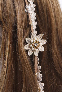 Boho Floral Dangling Hair Clip in Neutral