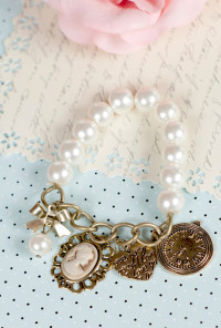 Bracelet - Canterbury Tales Charm Pearl Bracelet