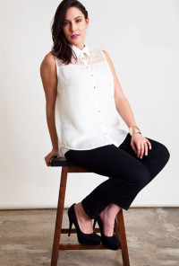 Plus SIze white Lace Buttoned Sleeveless Blouse