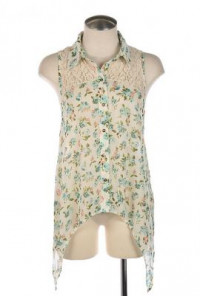 Lace Yoke Sleeveless Floral Print Blouse in Sky