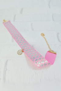 Mermaid Glisten Holographic Scale Choker in Pink