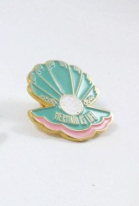 clam shell mermaid pin