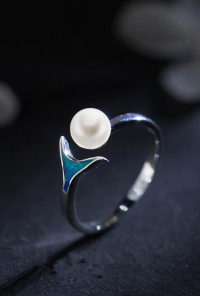 Mermaid Tail Pearl Ring