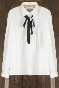 Peter Pan Tie Neck Pleated Blouse