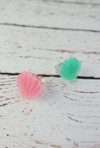 pink seashell ring