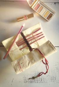 Makeup Case - Unforsaken Dreams Canvas Makeup Brush Roll-Up Case/Organizer in Cream