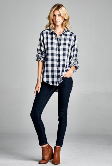 Top - Backroad Kiss Gauze Plaid Flannel in Navy