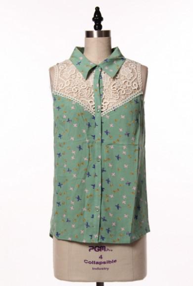 Blouse - Graceful Wings Bird Print Lace Yoke Sleeveless Blouse in Mint