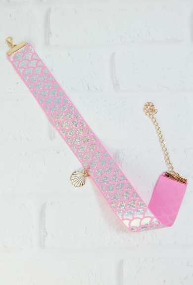 Necklace - Mermaid Glisten Holographic Scale Choker in Pink