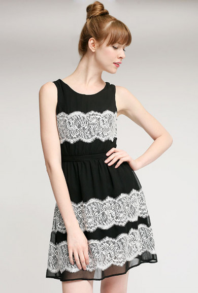 Dress - Surprise Party Sleeveless Contrast Lace Dress in Noir