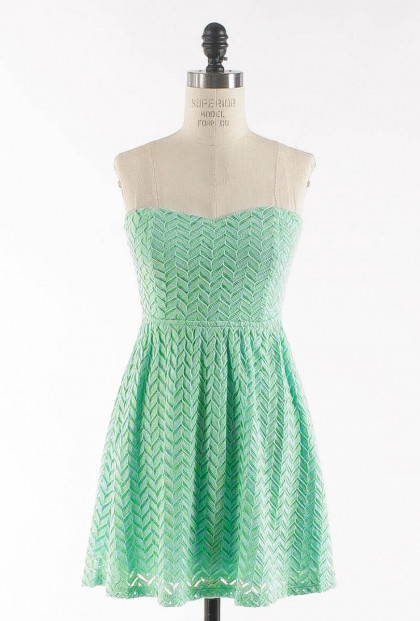 Dress - Simply Sweet Chevron Lace Sweetheart Skater Dress in Mint